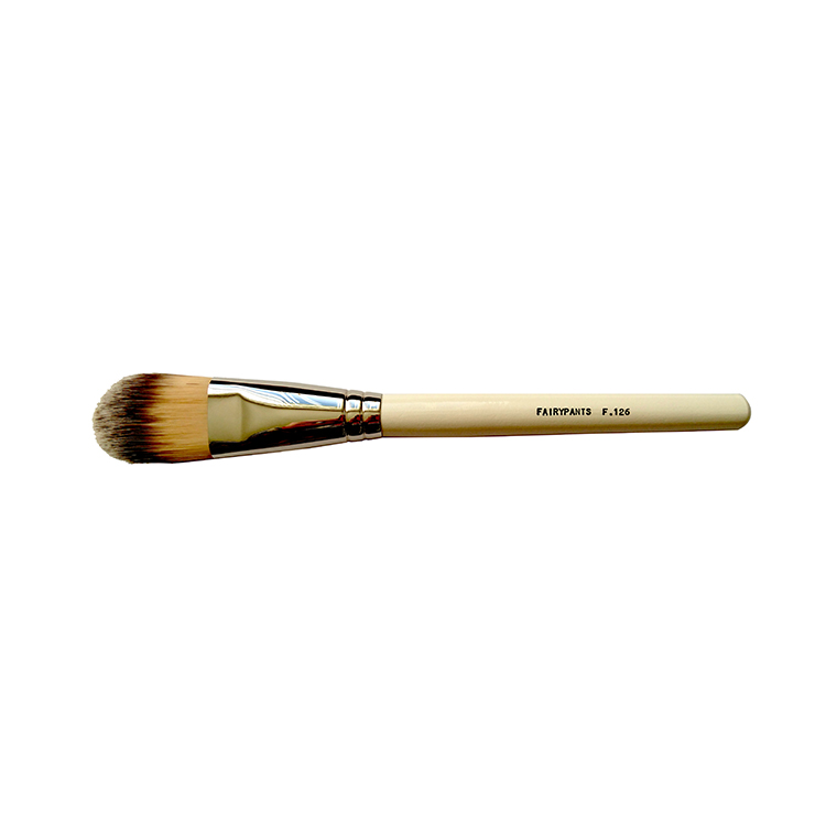 Foundation Brush F126