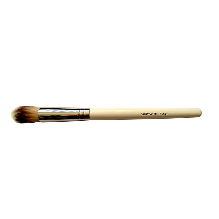 Blusher Brush F391